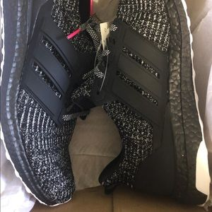 Men's new adidas ultra boost sneakers with box
